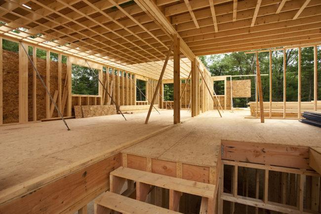 Proteggere il legno dal fuoco: vantaggi e limiti del legno nell'edilizia pubblica